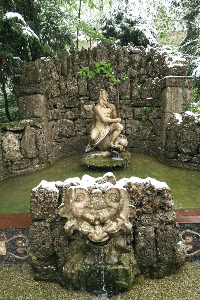 hellburnn fountain zeus