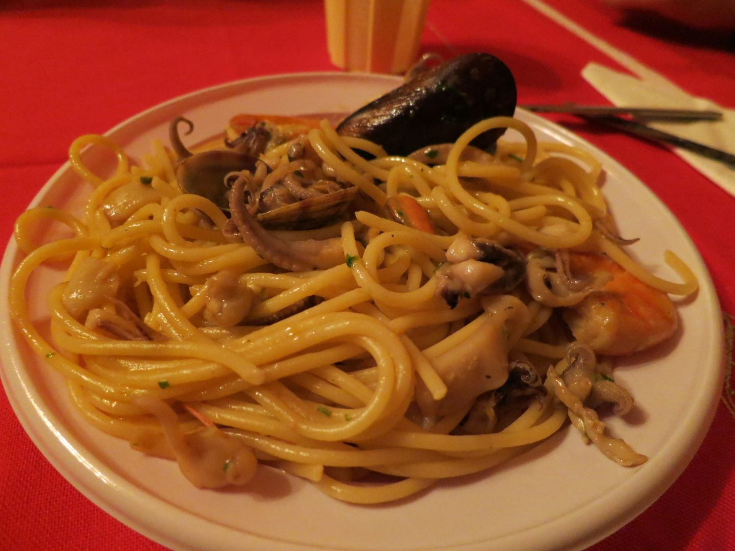 Spaghetti with various seafood